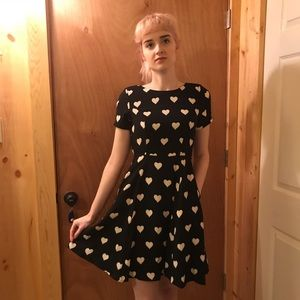 NWT beautiful black and white lined dress